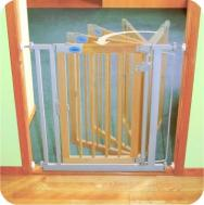 Bettacare Auto-Close Wooden Gate